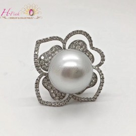18K White Gold Diamond 18.6mm South Sea White Pearl Flower Ring