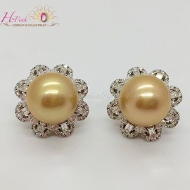 18K White Gold Diamond South Sea Golden Pearl Stud Earrings