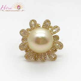 18K Yellow Gold Diamond Big South Sea Golden Pearl Ring