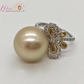 18K Gold Clear & Yellow Diamond 14.4mm South Sea Golden Pearl Ring