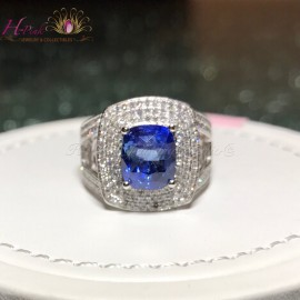 18K White Gold 4.90cts Natural Untreated Unheated Blue Sapphire Diamond Ring
