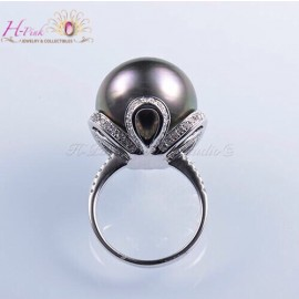18K White Gold 15.7mm Tahitian Pearl Diamond Ring
